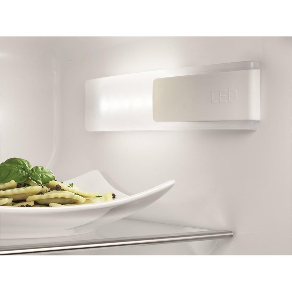 Встраиваемый холодильник Electrolux ENN92853CW - фото 4