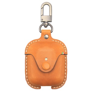 Кожаный чехол Cozistyle Leather Case for AirPods Light Brown