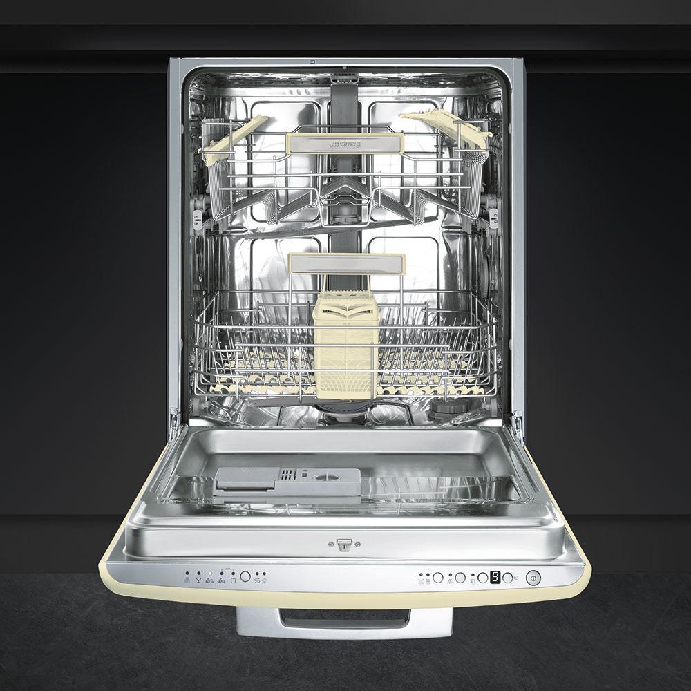 Встраиваемая посудомоечная машина Smeg ST2FABCR в интерьере - фото 2