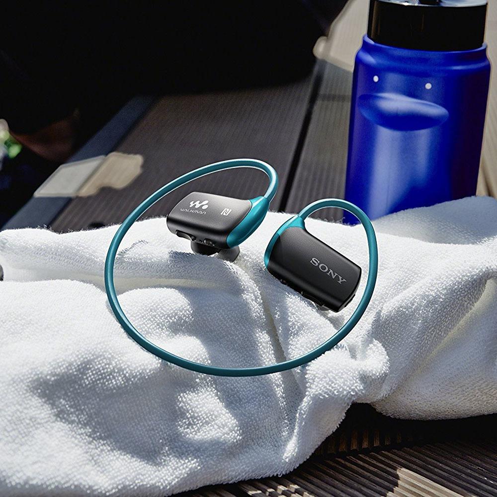 Наушники Sony NWZ-WS613, синий в интерьере - фото 1