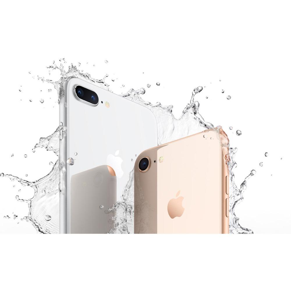 Смартфон Apple iPhone 8 Plus 128GB золотой в интерьере - фото 2