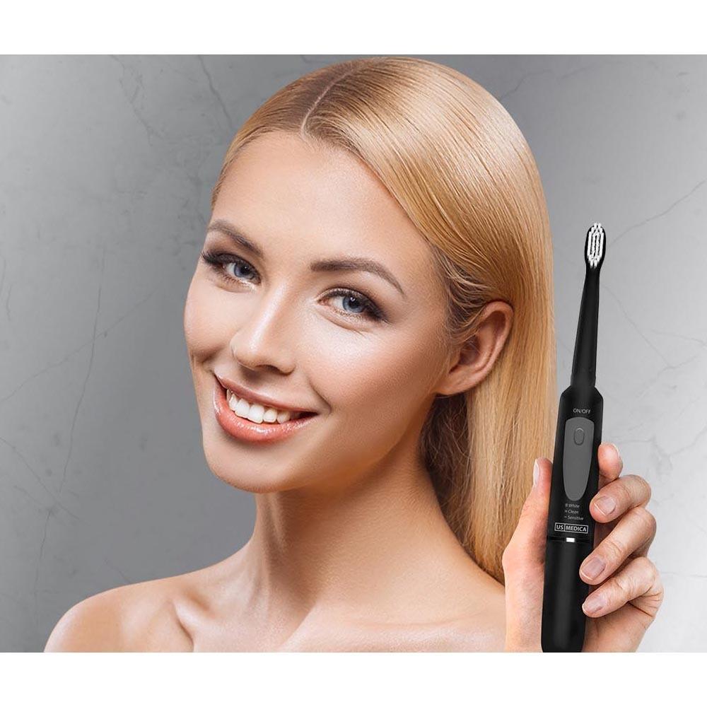 Электрическая зубная щетка US MEDICA Smile Expert в интерьере - фото 3
