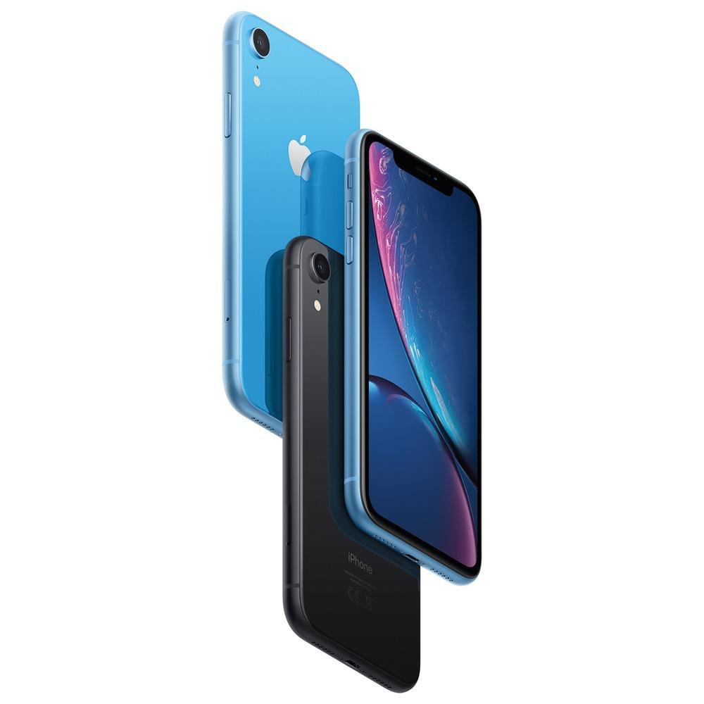 Смартфон Apple iPhone XR 128GB коралловый в интерьере - фото 2
