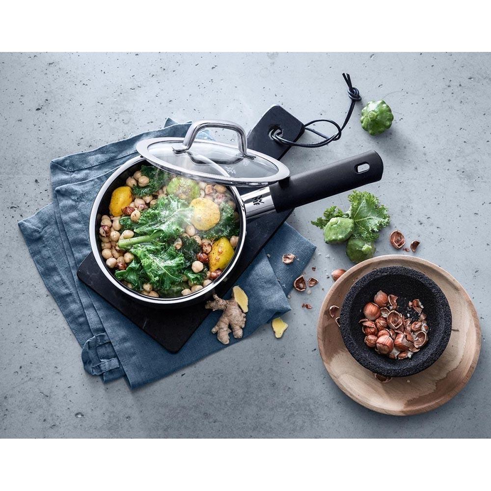 Ковш для кухни WMF Platinum 0515285290 в интерьере - фото 2