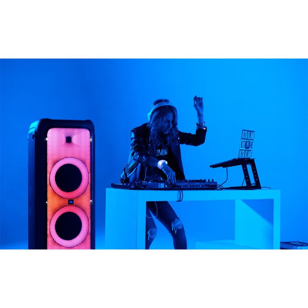 Портативная акустика JBL PartyBox 1000 в интерьере - фото 2