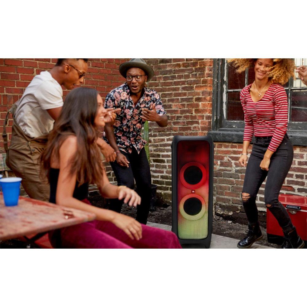 Портативная акустика JBL PartyBox 1000 в интерьере - фото 3