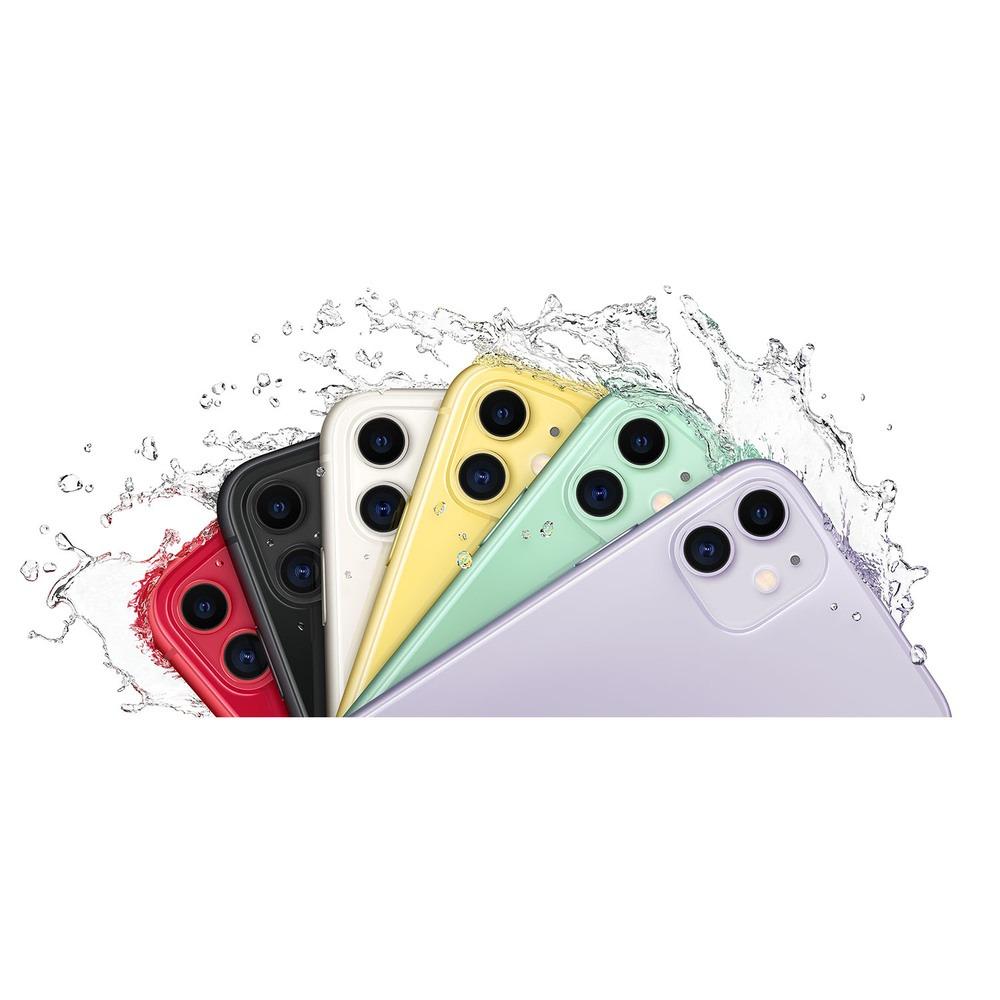 Смартфон Apple iPhone 11 64GB белый в интерьере - фото 2