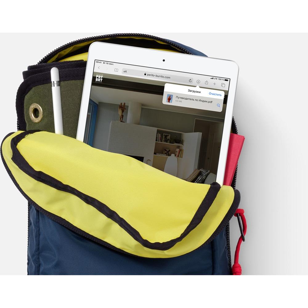 "Планшет Apple iPad 10.2"" Wi-Fi 32GB Silver в интерьере - фото 2"