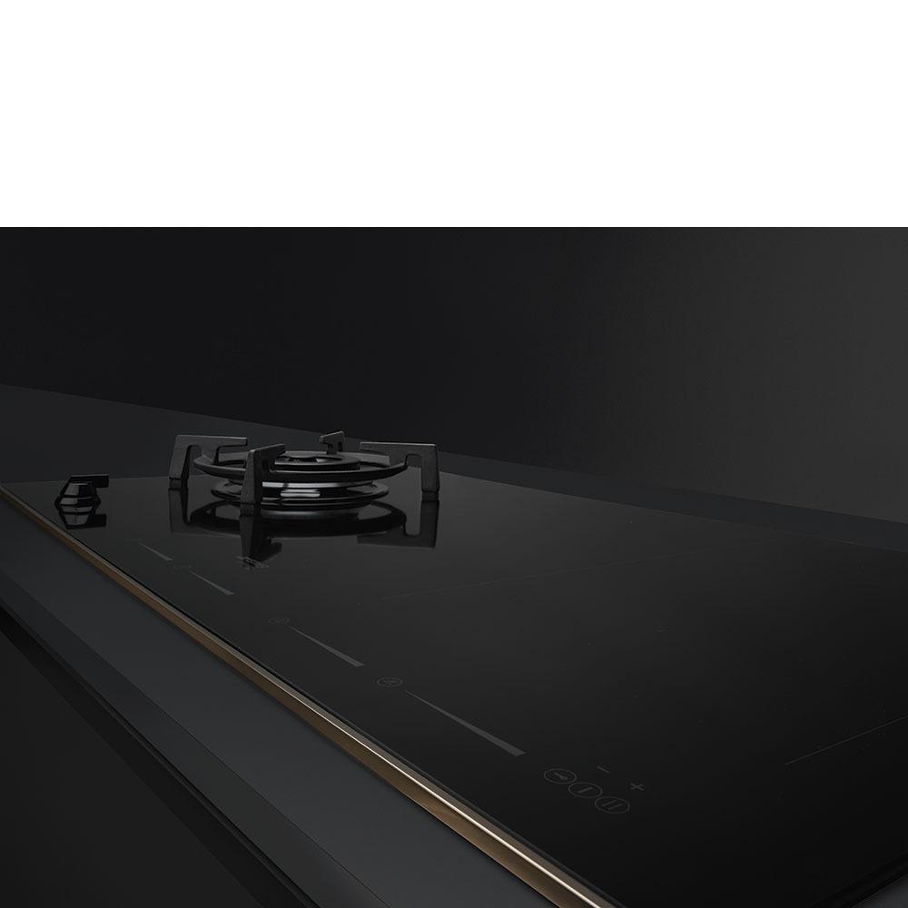 Варочная поверхность Smeg PM6912WLDR Dolce Stil Novo в интерьере - фото 4