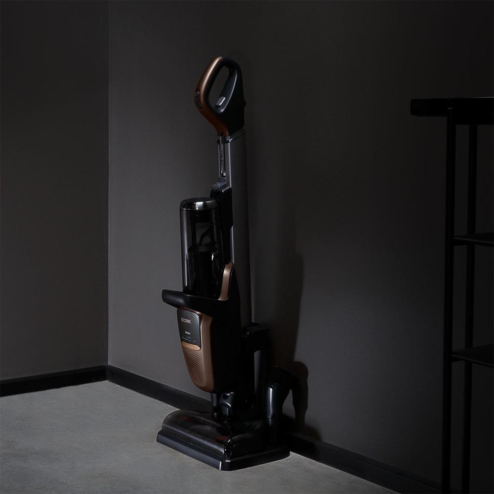 Вертикальный пылесос BORK V800 в интерьере - фото 4