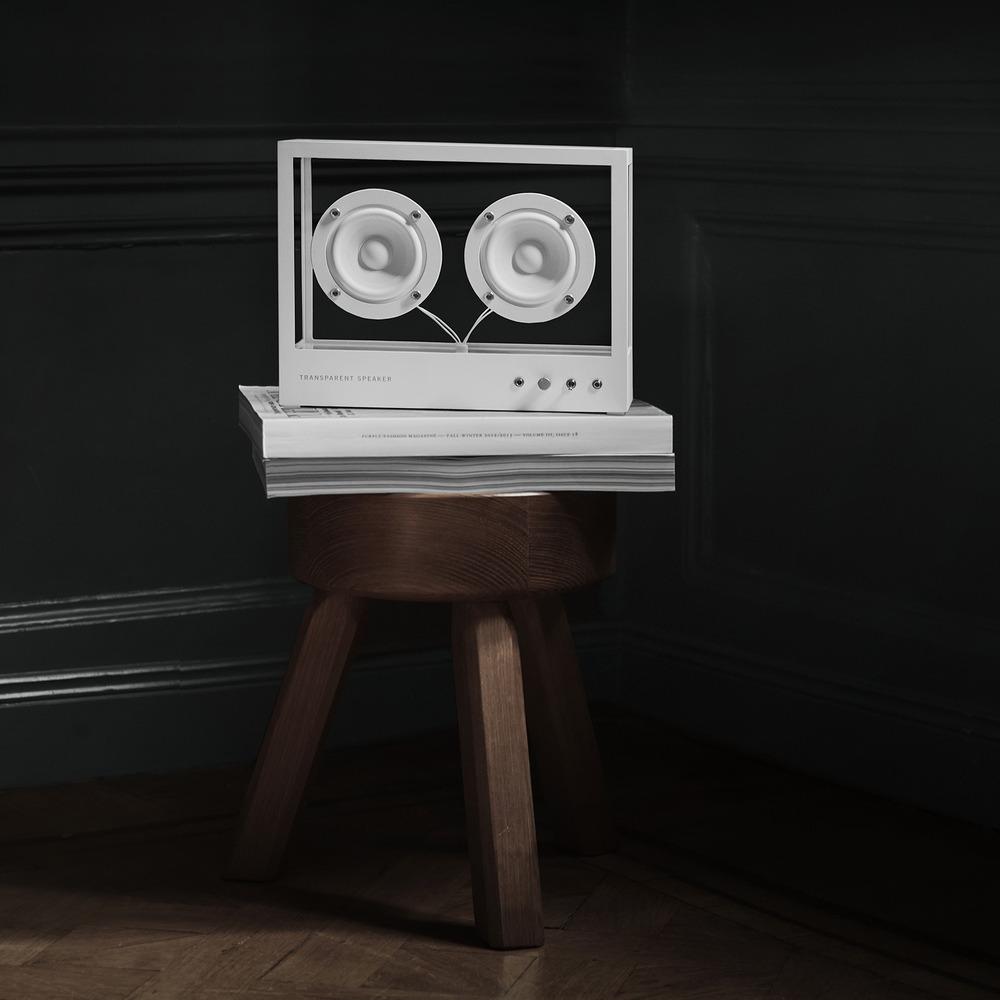 Портативная акустика Transparent Sound Small Speaker в интерьере - фото 3