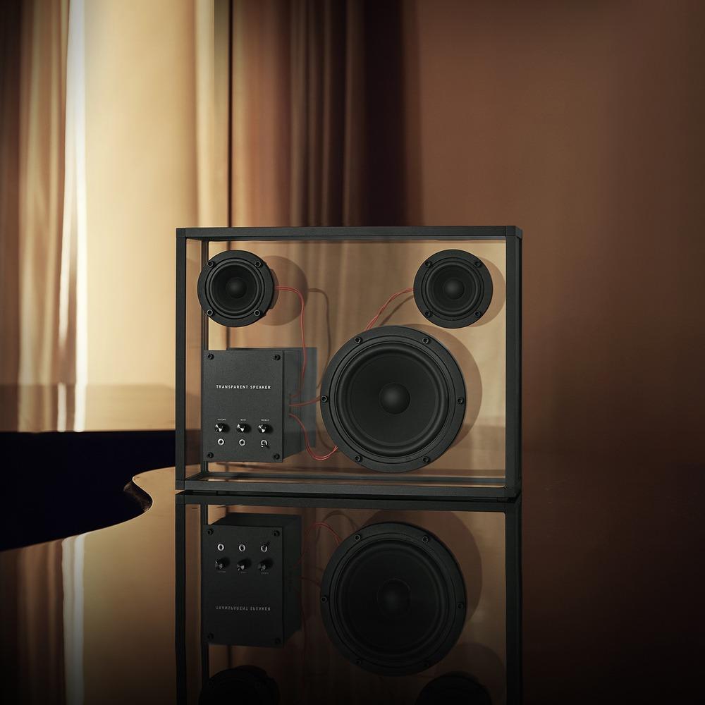 Портативная акустика Transparent Sound Speaker в интерьере - фото 1