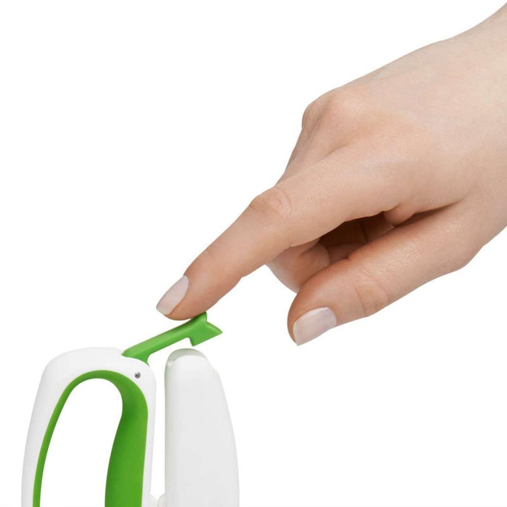Ножницы кухонные OXO 11131800 в интерьере - фото 2