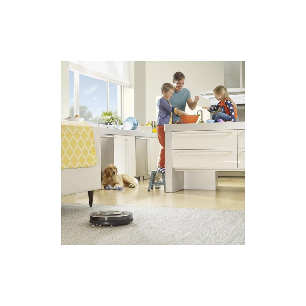 Робот-пылесос iRobot Roomba 886 в интерьере - фото 3