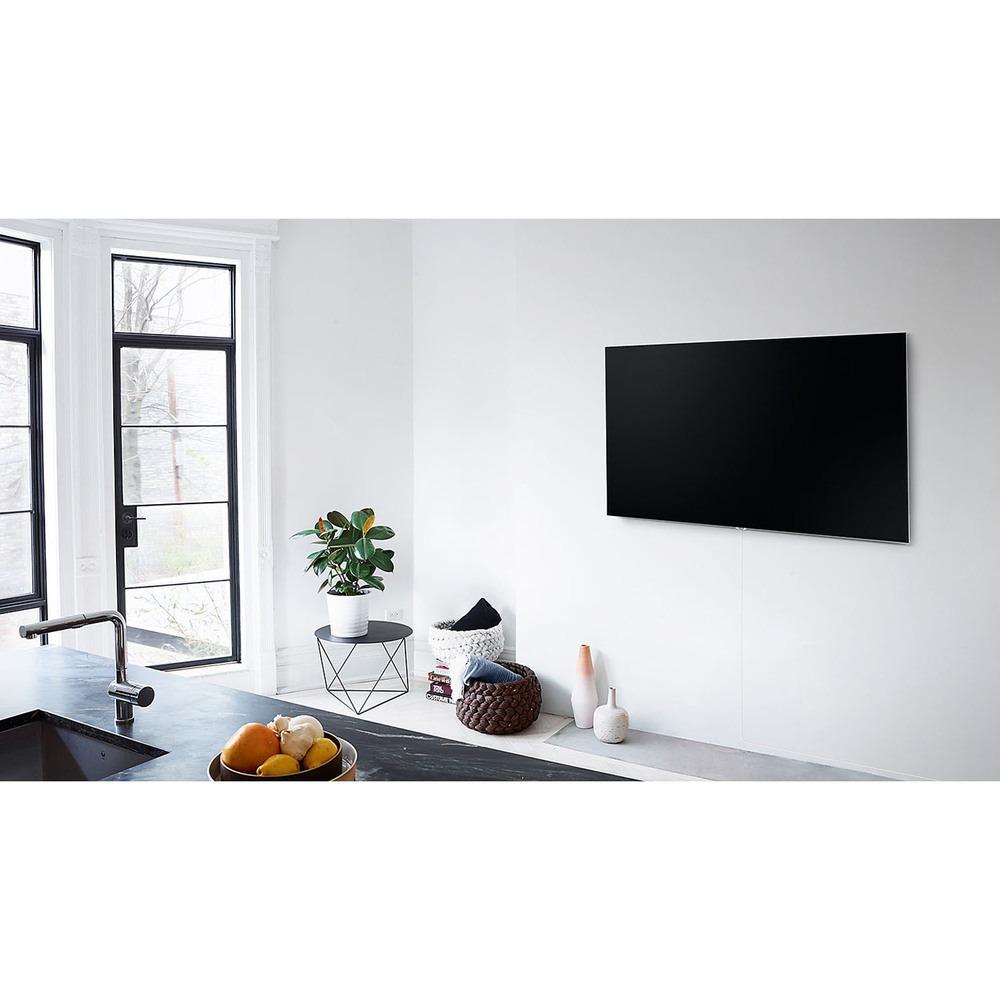 Телевизор Samsung QE75Q7F в интерьере - фото 1
